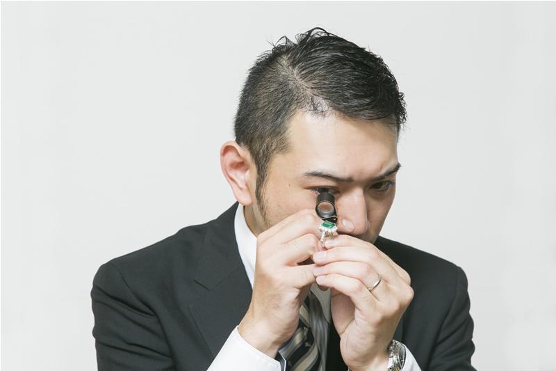 GIA(米国宝石学会公認鑑定士)による宝石類の世界基準の適正評価をいたします